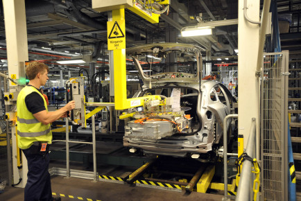 Montering Volvo V60 plug inBatteri monteras
