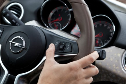 2013 07 03_Opel-ADAM-IntelliLink-1