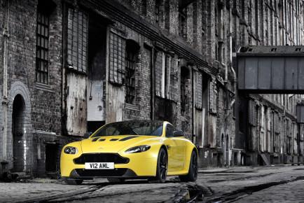Aston Martin Vantage S V12-2