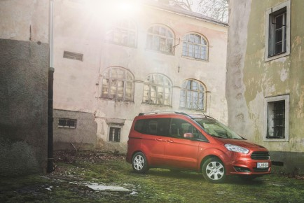 Ford Turneo Courier EcoBoost_1