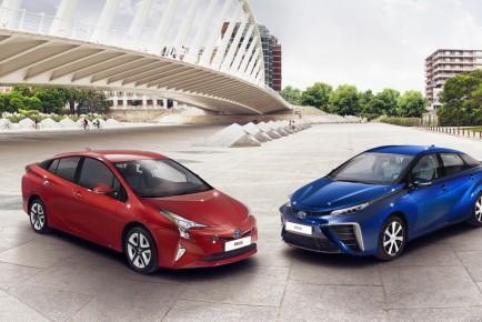 EU-2016-Toyota-Prius-12