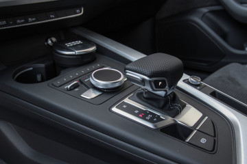 Audi A4-17