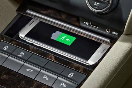 skoda-wireless-phone-charging-2