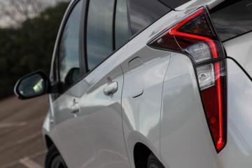 Toyota Prius 2016-24