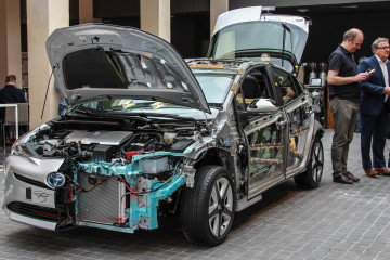 Toyota Prius 2016-4