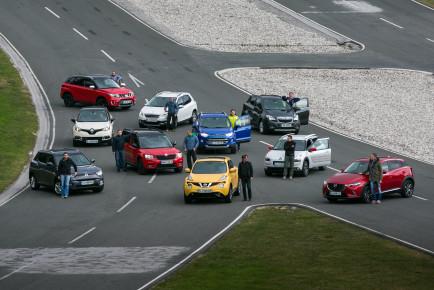 Skupinski test crossover vozil nižjega srednjega razreda.