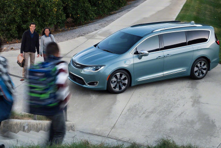2017-chrysler-pacifica1