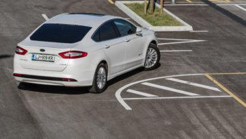 Ford_Mondeo_Hybrid_32