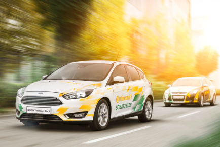 Ford-Focus-Continental-Gasoline-Technology-car-II-front-three-quarter-in-motion