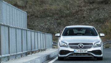 Mercedes-Benz_CLA_220_d_16_