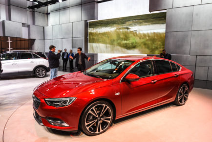 Opel Insignia Sports Tourer in Grand Tourer Ženeva 2017_1