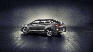 hyundai-i30-fastback-revealed-2