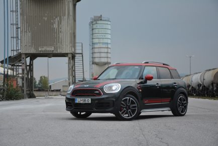 MINI COUNTRYMAN JCW 01