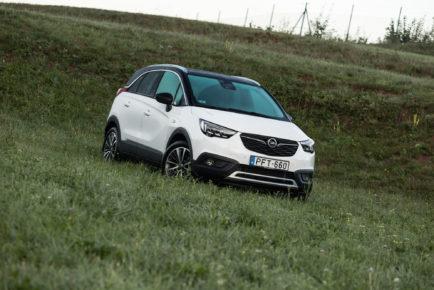 Opel_Crossland_X_16_CDTI_120_001