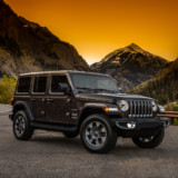 2018-Jeep-Wrangler-Unlimited-Sahara-with-mountains