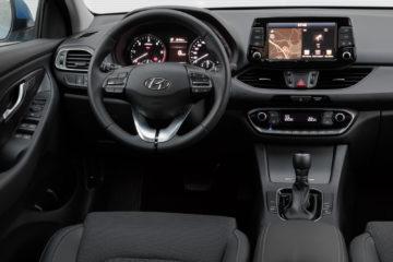 Hyundai_i30_Wagon_16CRDi_DCT_08