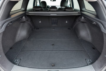 Hyundai_i30_Wagon_16CRDi_DCT_19