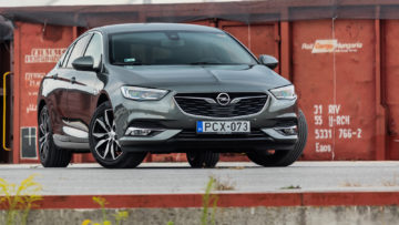 Opel_Insignia_GS_15_Turbo_165_13