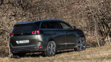 Peugeot_5008_GT_27