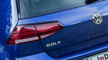 Volkswagen_Golf_15TSI_110kW_17