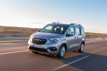 Robust: The high bonnet contributes to the balanced, confident appearance of the new Opel Combo Life.