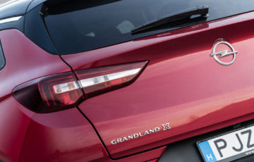 Opel_Grandland_12_Turbo_32