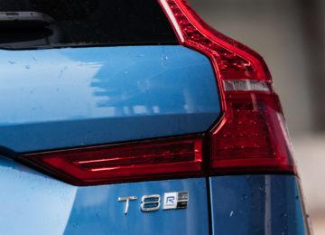 Volvo_XC60_T8_R_Design_06