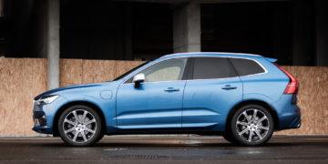 Volvo_XC60_T8_R_Design_18