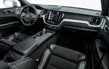 Volvo_XC60_T8_R_Design_19