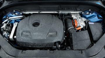 Volvo_XC60_T8_R_Design_30