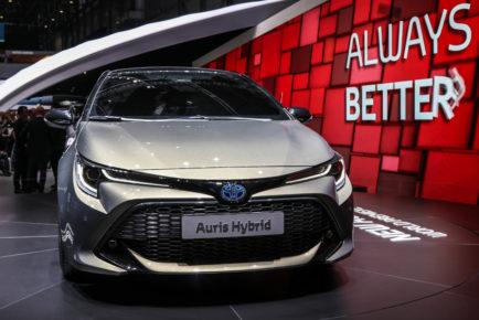 Toyota Auris Hybrid (4)