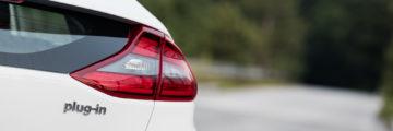 Hyundai_Ioniq_Plug-In_Premium_04