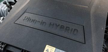 Hyundai_Ioniq_Plug-In_Premium_09