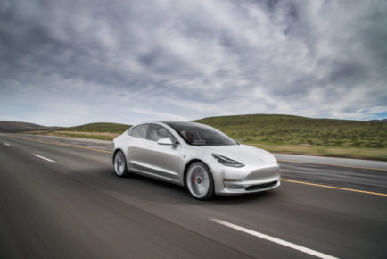 2017-tesla-model-3-front-three-quarter-in-motion-02-720x480