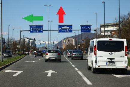 Treba je le biti pozoren in se v prometu ustrezno hitro zganiti, pa bi vse teklo hitreje. In marsikdo bi bil manj živčen.