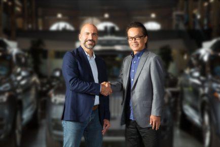 handshake_Toyota-Uber
