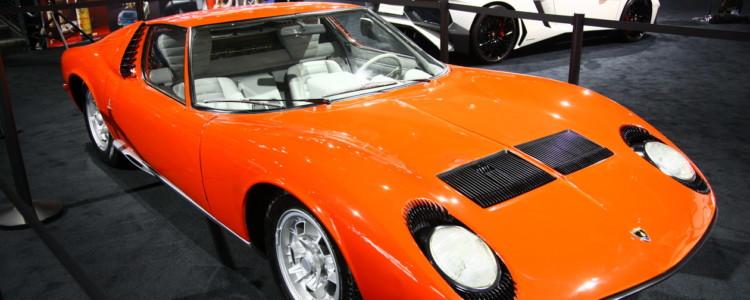 Superšportni avtomobil iz konca 60. let: 4.0 V12, 350 ''konj'' in 355 Njutonmetrov. Slednje je danes vsakdanja turbodizelska številka.