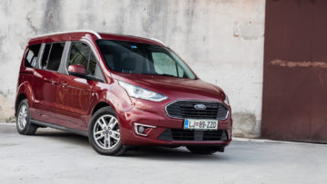Ford_Grand_Tourneo_Connect_15_40