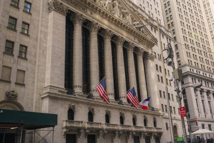 New_York_Stock_Exchange_Facade_2015