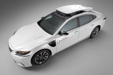 24393b03-lexus-tri-p4-automated-driving-test-vehicle-3