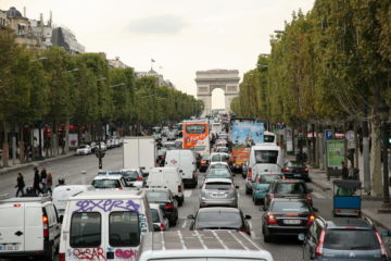 Eden od najmanj bolečih, pravzaprav celo dobrodošlih ukrepov očiščenja mest je povečanje pretočnosti prometa. Vedno ne gre, presenetljivo pogosto pa gre. A se včasih zdi, da za to odgovorni nimajo posluha.