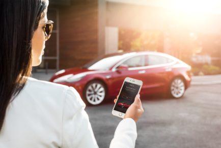 Tesla-Model 3 - My Tesla Phone App as Key