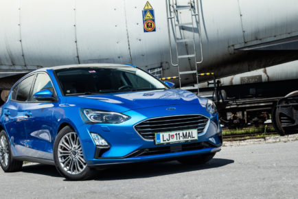 Ford_Focus_15_EcoBlue_AT8_Tit_001