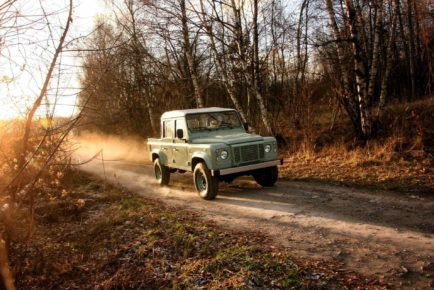 land-rover-defender-crew-cab-pickup-by-land-serwis-2