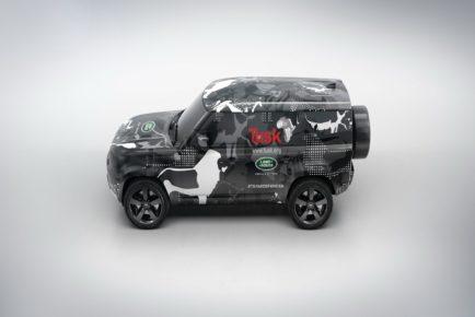 Land_Rover_Defender_2
