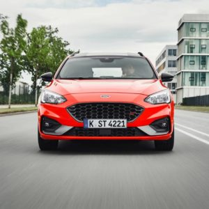 2019my-ford-focus-st-wagon-1