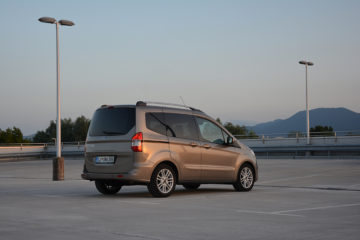 FORD TOURNEO COURIER 02 (2)