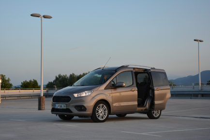 FORD TOURNEO COURIER 03 (3)