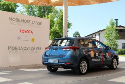 Mobilnost za vse Toyota URI (7)