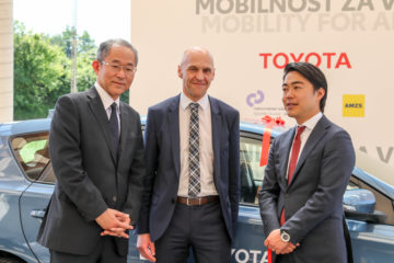 Mobilnost za vse Toyota URI (8)
